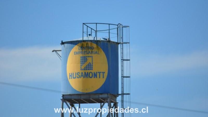 Centro Empresarial Husamontt. Camino al Aeropuerto. - Luz Propiedades