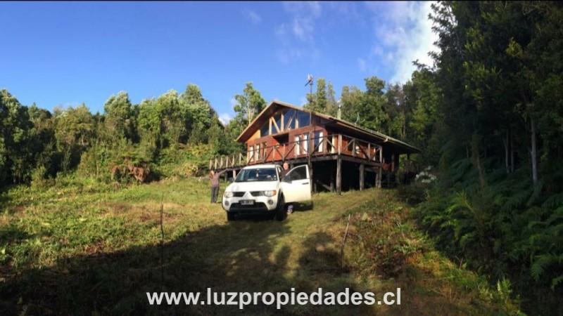 Cabaña Hualaihue, Hornopiren - Luz Propiedades