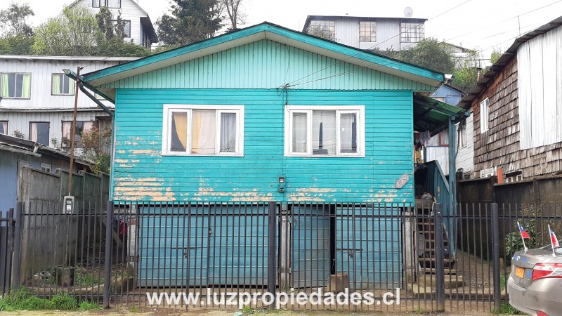 Caleta Tortel Nº574, Población Teniente Merino - Luz Propiedades
