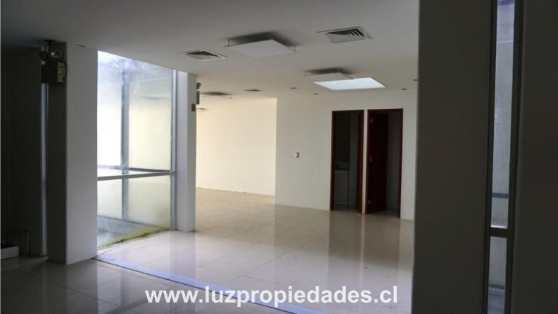 Local 1, en Ed. Empresarial - Luz Propiedades