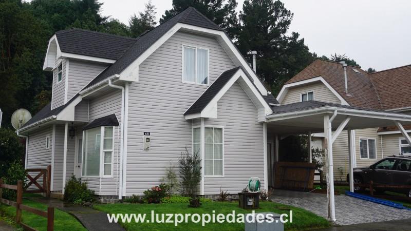 Vc. Choshuenco Nº 5.111, casa 68, Condominio Altos del Bosque - Luz Propiedades